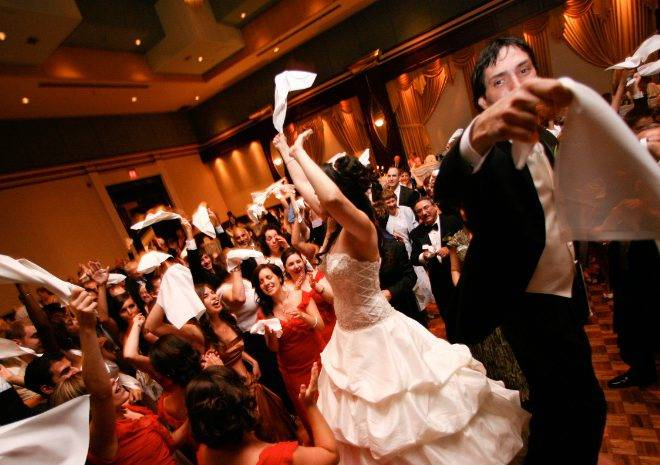 Top Wedding Entertainment Ideas for Destination Wedding